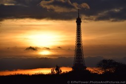 Eiffel Tower seen from Tuileries Gardens Beautiful Sunset at Dusk.jpg