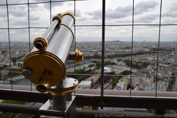Observation Telescope of Eiffel Tower on Second Level.jpg