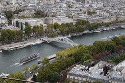 Palais de Tokyo and Place Debilly Bridge seen from the Eiffel Tower.jpg