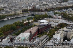 Quai Branly Museum next to Eiffel Tower.jpg