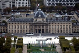 Ecole Militaire and Mur de la Paix seen from Eiffel Tower.jpg