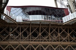 58 Tour Eiffel Restaurant seen from the bottom.jpg