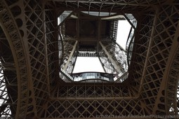 View of Eiffel Tower Looking up from Directly Underneath the Center.jpg