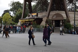 Pilier Sud and Le Jules Verne at the Bottom of the Eiffel Tower.jpg